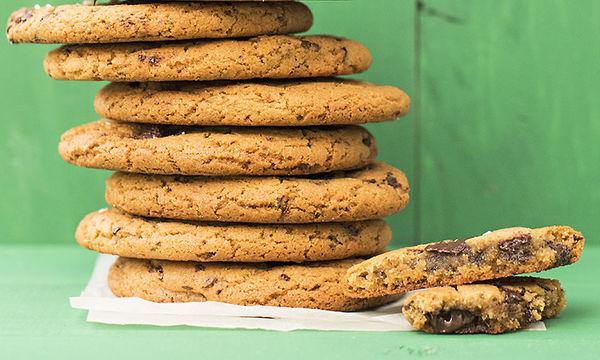 Αφράτα cookies με ταχίνι και κομμάτια σοκολάτας