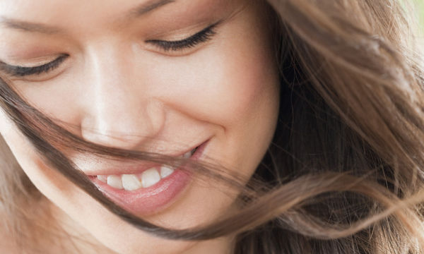 Πώς θα αποκτήσετε υγιή και λαμπερά μαλλιά