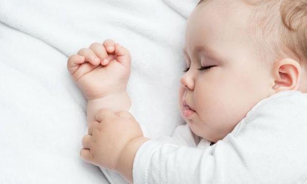 Ύπνος και παιδί: Οι πέντε πιο συχνοί μύθοι
