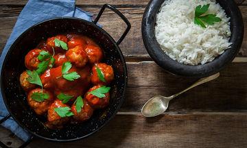 Μαμαδίστικο φαγητό: Συνταγή για πεντανόστιμα σουτζουκάκια