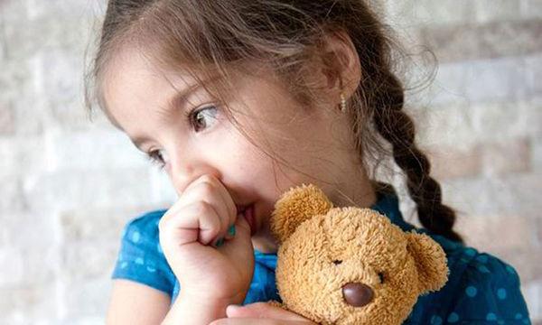 Πότε το παιδί θα πρέπει να σταματήσει το πιπίλισμα του δαχτύλου του;