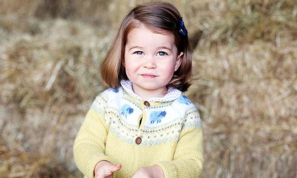 Πριγκίπισσα Charlotte: Οι φωτογραφίες της από την πρώτη μέρα στον παιδικό, απλά δεν υπάρχουν!
