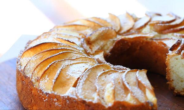 Κέικ μήλου: Εύκολο και αφράτο