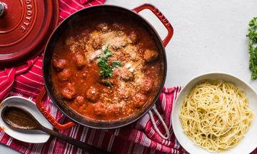 Αυθεντική συνταγή για ιταλικά κεφτεδάκια με σάλτσα