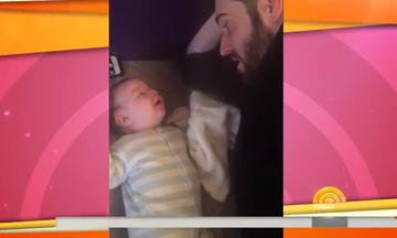 84f581bb6c4 Μωρό 3 μηνών είπε «hello» στο μπαμπά του; Εσείς τι λέτε; (
