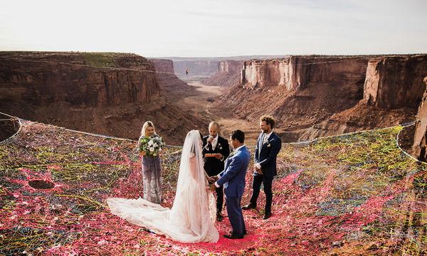 Ζευγάρι παντρεύτηκε σε ύψος 400 ποδιών και οι φωτογραφίες κόβουν την ανάσα