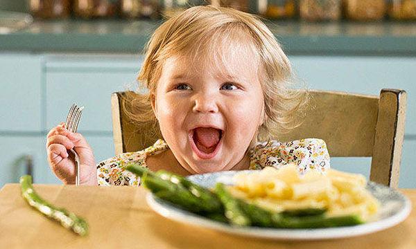 Διατροφή παιδιού από 1 έως 2 ετών: Τροφές που δεν πρέπει να δίνετε στο παιδί σας