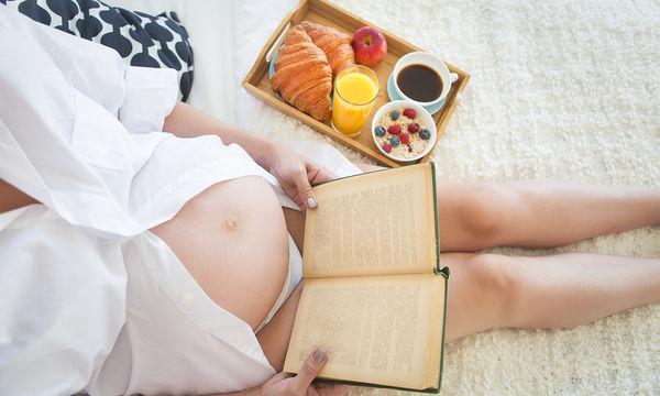 Διατροφή στην εγκυμοσύνη: Τι απαγορεύεται να τρώει μια έγκυος