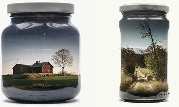Φωτογράφος «κλείνει» σε γυάλινα βάζα τα αγαπημένα του τοπία και το αποτέλεσμα είναι μοναδικό