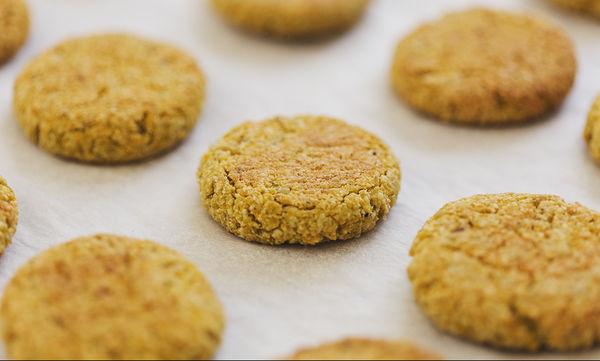Και light και πεντανόστιμη συνταγή για μπισκότα, χωρίς ζάχαρη και ψήσιμο