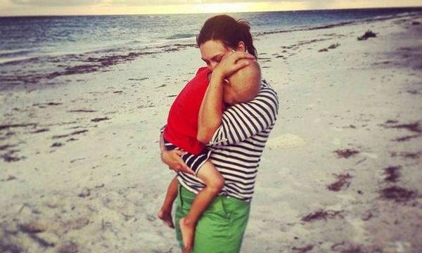 Μία μαμά γράφει: «Το παιδί μου δίνει μάχη με τον καρκίνο κι αυτά είναι όσα θέλω να ακούσω από εσένα»