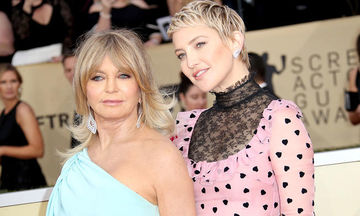 Διάσημες κόρες εξηγούν πώς είναι να μεγαλώνεις με διάσημη μαμά (pics)