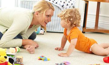 Πώς να βελτιώσετε το συντονισμό ματιού-χεριού του παιδιού σας μέσα από το παιχνίδι