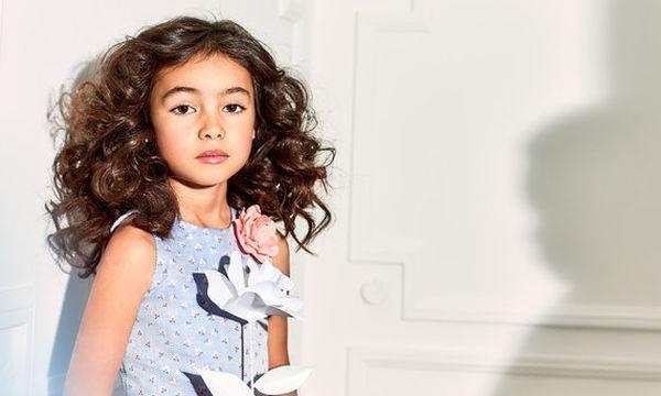 Η κόρη διάσημου ηθοποιού πρωταγωνιστεί σε καμπάνια εταιρίας παιδικών ρούχων