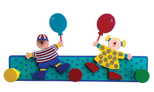 Διακόσμηση παιδικού δωματίου: Ξύλινη κρεμάστρα αγόρι-κορίτσι