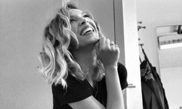 Σύλβια Δεληκούρα: «Από τη μία θέλω να βάλω νυφικό, από την άλλη βαριέμαι»