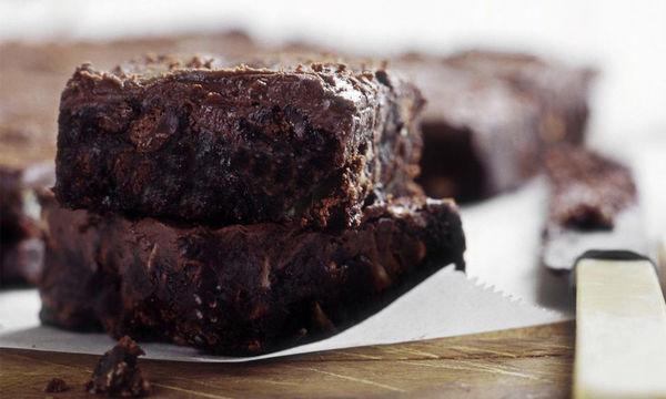 Νηστίσιμα σοκολατένια brownies με μπανάνα