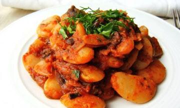 Οι πιο νόστιμοι γίγαντες στο φούρνο με ντομάτα και μυρωδικά