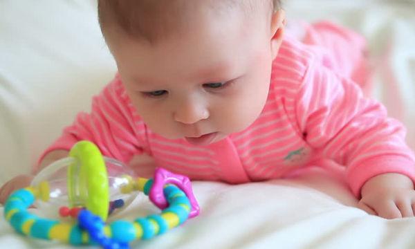 Το πιο χρήσιμο και οικονομικό δώρο για ένα μωρό είναι αυτό