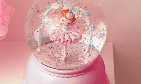 """Φωτιστικό νυκτός """"χιονόμπαλα μπαλαρίνα"""" - Το πιο όμορφο δώρο για τις βαφτιστήρες σας"""