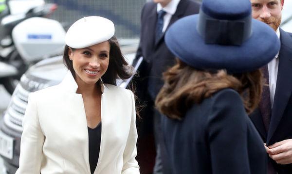 Όλοι μιλάνε για την πρώτη εμφάνιση της Meghan Markle δίπλα στη Βασίλισσα Ελισάβετ