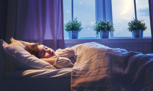 Έξι κόλπα ύπνου για παιδιά που ξυπνούν τη νύχτα