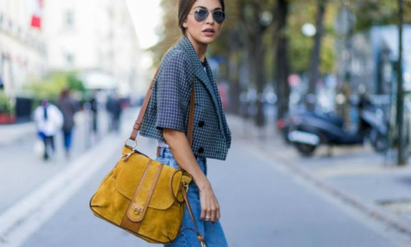 Αυτά είναι τα jeans που μπορείς να φοράς άφοβα με flat παπούτσια
