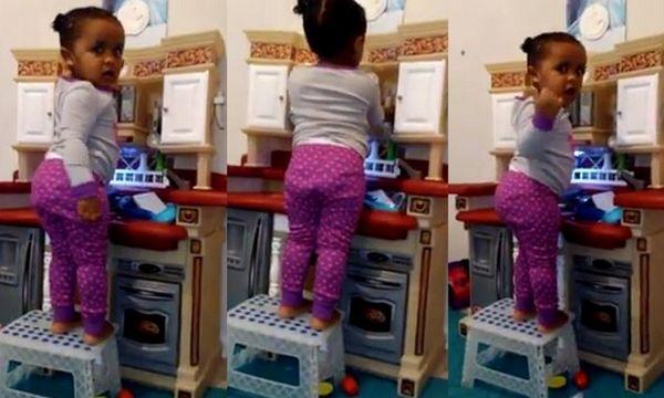 Οι γονείς της «τόλμησαν» να της πουν να προσέχει -  Η αντίδρασή της; Θα σας κάνει να ξεκαρδιστείτε