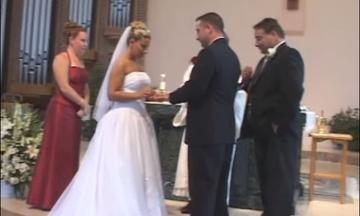 Το απίστευτο απρόοπτο με τον κουμπάρο «τίναξε» τον γάμο στον… αέρα! (vid)