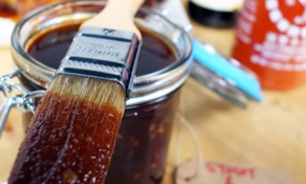 Πανεύκολη συνταγή για σπιτική σάλτσα μπάρμπεκιου