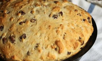 Εύκολη συνταγή για ζυμωτό ψωμί