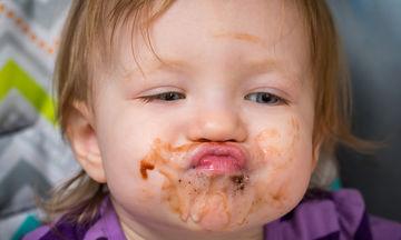 Διατροφή παιδιού: Πότε μπορούν τα παιδιά να φάνε σοκολάτα;