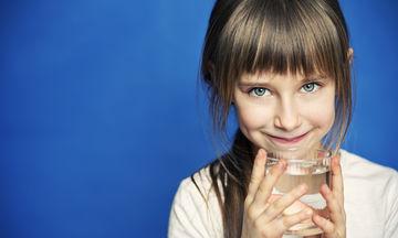 Παγκόσμια Ημέρα Νερού: Πόσο νερό χρειάζεται ένα παιδί την ημέρα;