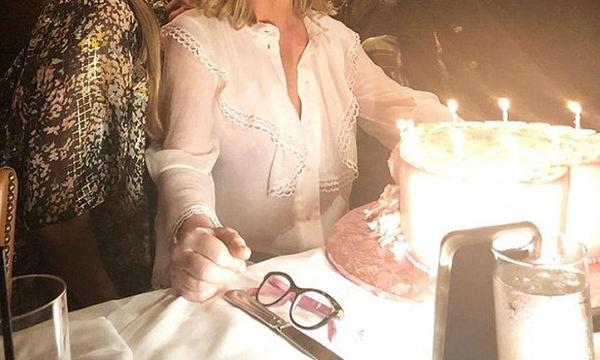 Paris και Nicky Hilton: Η μητέρα τους έγινε 59 ετών - Δείτε πόσο όμορφη είναι (pics)