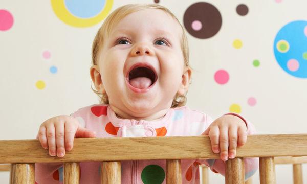 Ποιος είναι ο καλύτερος τρόπος για να μάθει καινούργιες λέξεις ένα μωρό 1-12 μηνών;