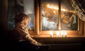 Πώς τα ξενύχτια ενέπνευσαν μία μαμά να βγάλει μαγικές φωτογραφίες με τα παιδιά της (pics)