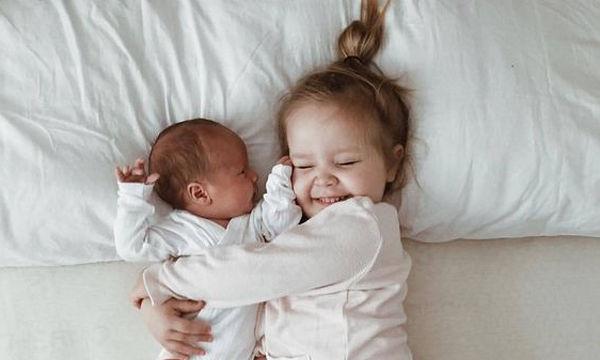 Οι ωραιότερες φωτογραφίες με νεογέννητα που έχετε δει ποτέ (pics)