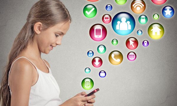 Τα Ελληνόπουλα χρησιμοποιούν τα social media πριν κλείσουν τα 13 τους χρόνια