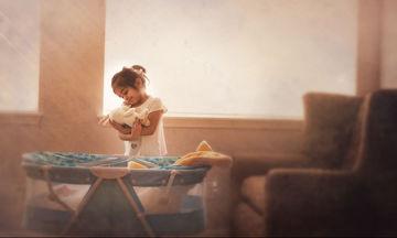 Φωτογράφος κάθε Παρασκευή κάνει ό,τι αρέσει στην κόρη της και απαθανατίζει τις στιγμές (pics)
