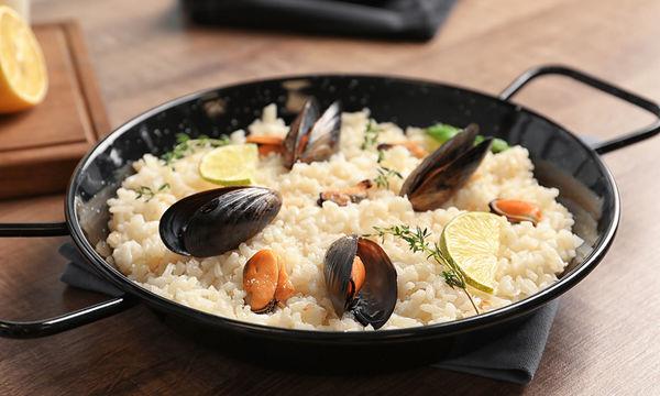 Μυδοπίλαφο: η πιο νόστιμη συνταγή για τις μέρες της νηστείας και όχι μόνο