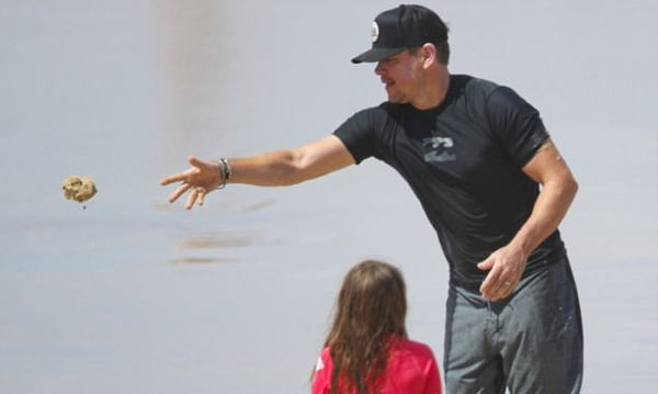 Matt Damon: Έχετε δει τελευταία τις κόρες του;