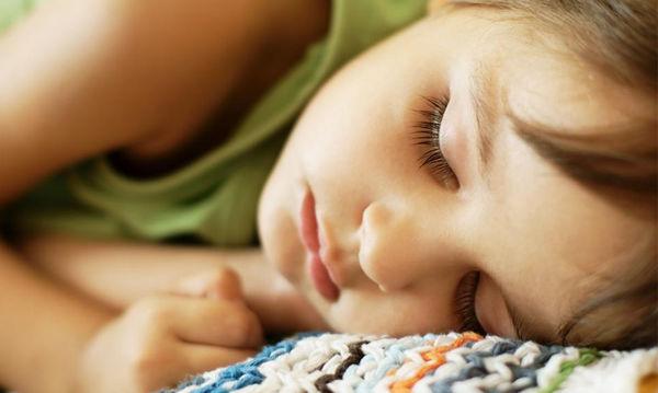 Υπνηλία παιδιού: Πότε οι γονείς πρέπει να ανησυχούν