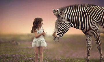Δείτε πώς μία φωτογράφος κάνει πραγματικότητα το όνειρο κάθε παιδιού (pics)
