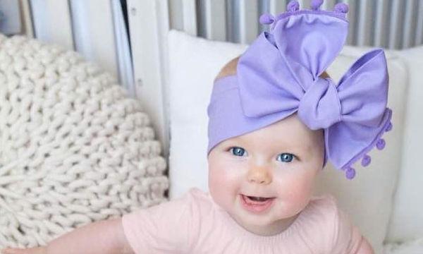Μωρά με κορδέλες στα μαλλιά τρελαίνουν το διαδίκτυο (pics)