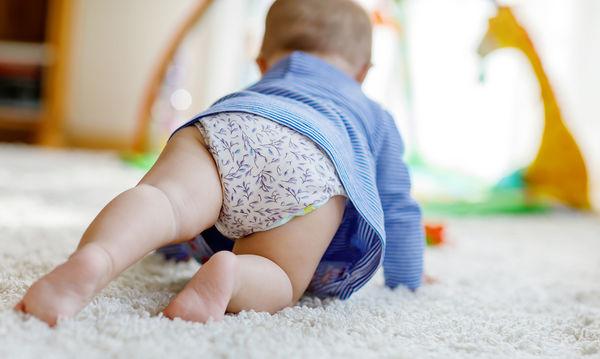 To παιδί μου δεν μπουσουλάει: Όλα όσα πρέπει να γνωρίζετε για την κινητική ανάπτυξη ενός βρέφους