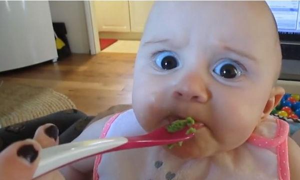 Η αντίδραση του μωρού στο αβοκάντο; Μοναδική (vid)