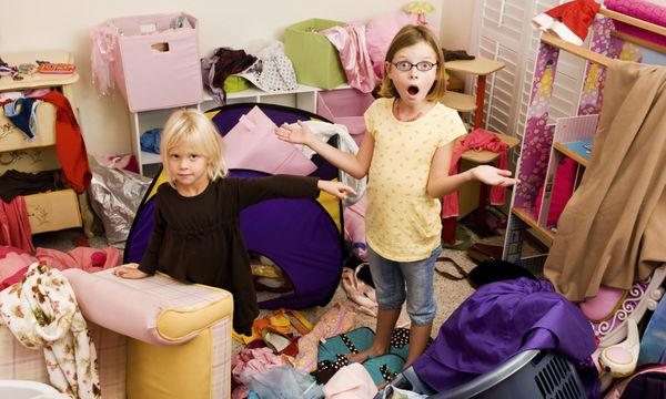 Τρεις λόγοι για να το ξανασκεφτείτε αν φωνάζετε στα παιδιά για το ακατάστατο δωμάτιο