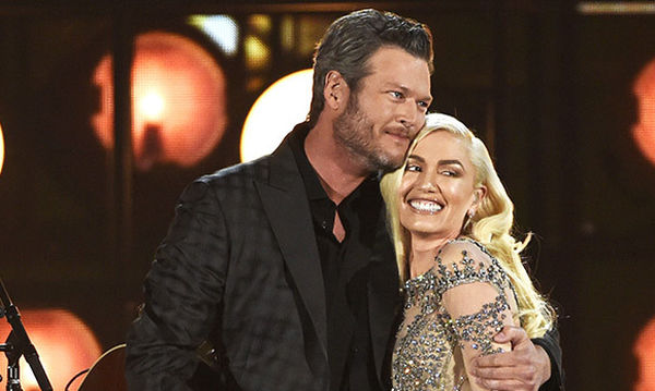Η Gwen Stefani κοκκινίζει από ντροπή, όταν μιλάει για τις φήμες ότι παντρεύεται τον αγαπημένο της