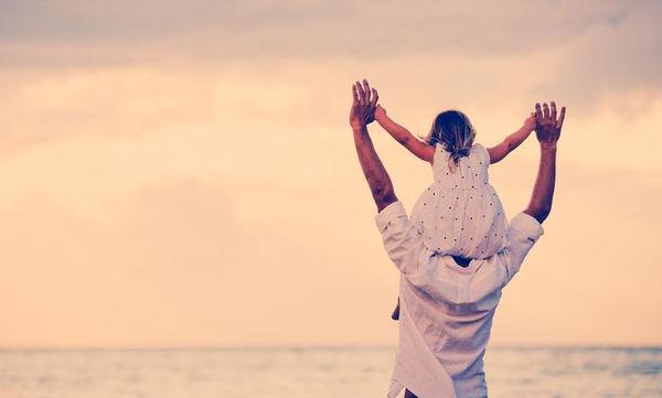 Δεκαπέντε απλές συμβουλές για την ανατροφή μίας κόρης από έναν μπαμπά