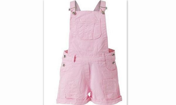 Το summer outfit που πρέπει να έχει οπωσδήποτε στη ντουλάπα του το παιδί σας